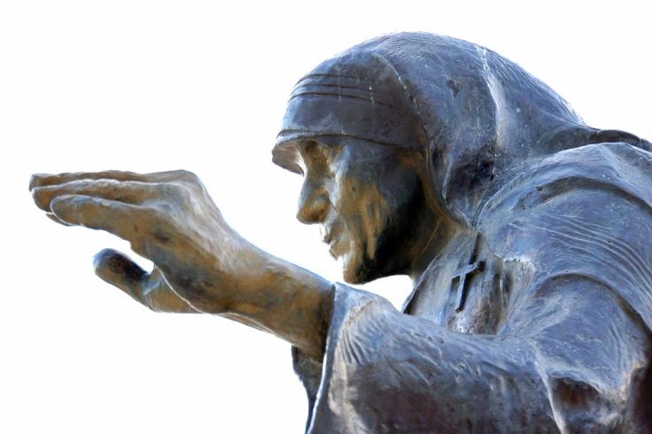Statue of Anjezë Gonxhe Bojaxhiu in Tirana. (c) Dennis Jarvis