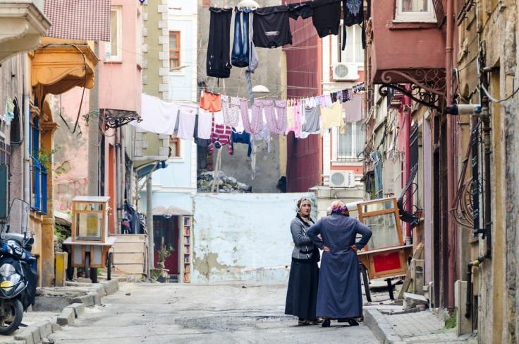 Women talking on a street in Tarlabaşı, Istanbul. (c) Luke Michael