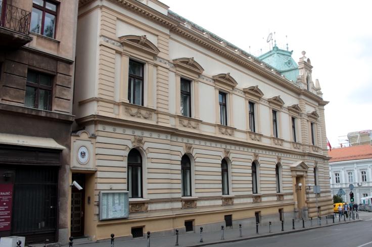 Heute gibt es keine Menschenschlangen mehr rund um die österreichische Botschaft.