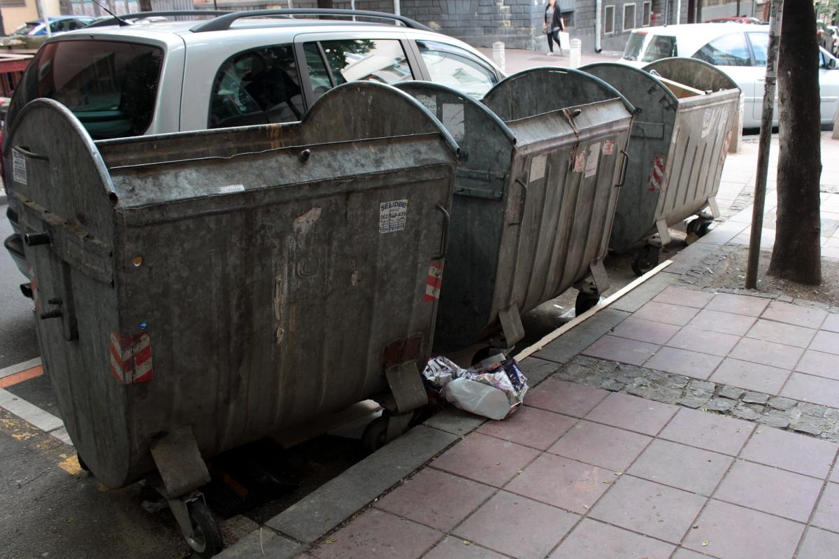 Die drei Mülltonnen